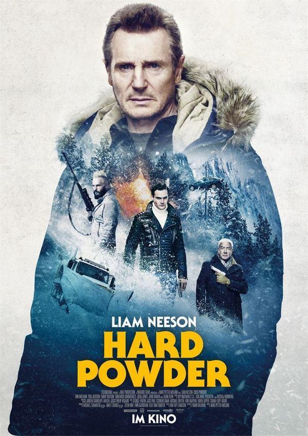 """Blutiger Schnee: Wir verlosen zum Kinostart von """"Hard Powder"""" ein tolles Fan-Paket"""