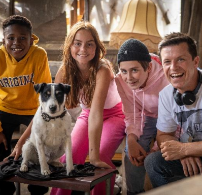 """Auf in die Detektivzentrale: Wir verlosen zum Start des Disney Channel Specials """"Beni & die schwarze Pfote"""" ein schönes Detektiv Karten-Set"""